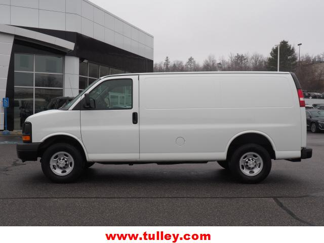 Pre-Owned 2016 Chevrolet Express RWD 3500 135