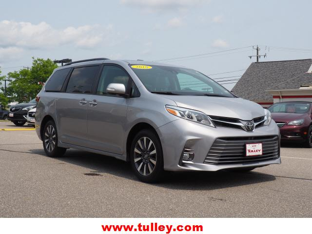Pre-Owned 2018 Toyota Sienna Limited AWD 7-Passenger