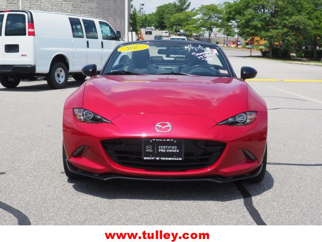 Pre-Owned 2017 Mazda MX-5 Miata Club Manual